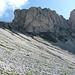Den Gipfel Tullen lasse ich aus, da eine einheimische Bergführerin der ich begegnet bin, in Anbetracht des Wegzustandes nach der Unwettersituation der letzten Nacht davon abgeraten hat.