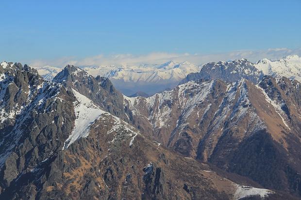 Blick über den Pass di Crösit ins Tessin