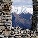 Den kennen wir doch ? - Ausblick von einer der Ruinen von Pino: Pizzo di Vogorno