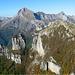 il Monte Nona e il Procinto visti dalla vetta del monte Matanna,sullo sfondo l'inconfondibile Pania della Croce..