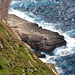 An der Steilküste unweit von Ta' Dmejrek - Tiefblick hinunter zum Mittelmeer aus einer Höhe von mehr als 200 m (Zoom). Auf unserer Karte ist für diesen Bereich die Bezeichnung Il-Kullana angegeben.