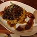 Leckere Belohnung für den Abendsport im Restaurant der Suizandina: Osso Bucco, selten isst man in Chile so liebevoll arrangiert!