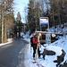Mit Ski bis an die Haltestelle - bequemer gehts kaum!