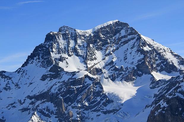 Erinnerungen werden wach: Rechts der Col du Sonadon - Plateau du Couloir - Grand Combin de Valsorey - Grand Combin de Grafeneire