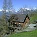 Das Wirtshaus der Walser Siedlung Guscha war im Aufstieg noch tabu. Im Abstieg genossen wir dort ein gutes Calanda Bier.