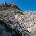 Unser erstes Ziel vor Augen, den Windschartenkopf. Über die Wiesen unterhalb zieht der Weg vom Schneibstein zum Seeleinsee (Kleine Reibn).