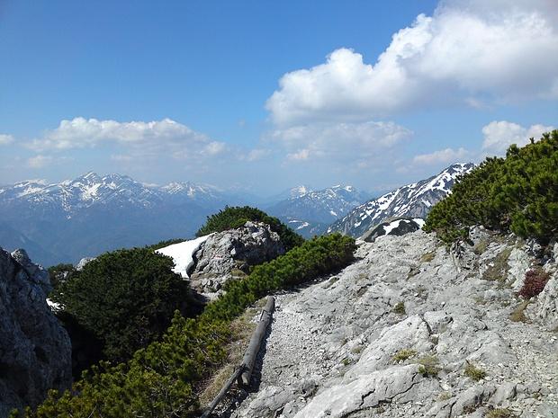 Blick über die Chiemgauer Alpen nach Westen.