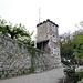 Restaurant Schloss Schartenfels. Antenne weg und man könnte es ansehen. Hier kommen die 'Route 5' und der Gratweg wieder zusammen.