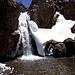 Wasserfall in der Nähe der Toubkal-Hütte.