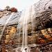 ...... Come sempre L'acqua è la vera protagonista della Verzasca, oggi poi era un fatto eccezionale: tutti i rignagnoli eran dei veri torrenti. Aumentando leggermente il contrasto si nota anche  la vivacita della roccia.