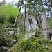Im unteren Teil des Alpinwanderwegs auf die Bütziflue.