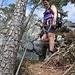 Kletterrookie Martina ist Startklar für den Abstieg von der Bütziflue. Zur mentalen Unterstützung mit KS-Set ausgerüstet. Was sicher für alle die sich nicht sicher fühlen oder das zum ersten Mal machen zu empfehlen wäre.