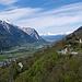 Blick über die Häuser von Giesch hinaus ins Rhonetal