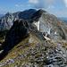 sull'Antecima ovest,sguardo alla cresta sommitale e alla vetta del monte Corchia,in fondo è la splendida Pania della Croce..