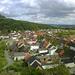 'Gipfel'foto vom höchsten (östlichen) der beiden Riesenbrocken: Blick über die Altstadt von Neustadt samt Rauhem Kulm.