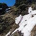18. Mai 2013, wenig Schnee geht es noch zu stampfen. In der Flanke des kl. Mythen