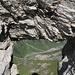Das Felstor ermöglicht einen tollen Tiefblick rund 1500Hm hinab ins Sulztal.