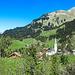 Schröcken liegt eingebettet zwischen steilen Bergen