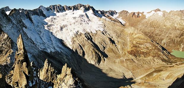Auf diesem Bild tummeln sich die höchsten Urner vom Galenstock bis zum Sustenhorn.