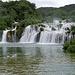 Schon die untersten Wasserfälle sind sehr eindrucksvoll, und nicht zu überhören.