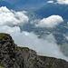 Wolkenloch. Blick hinunter nach Landquart, 1800 m tiefer.