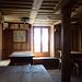 Aufenthaltsraum in der alten Weissmieshütte