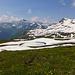 Das fast noch vollständig im Schnee liegende Chammseeli