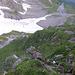 Viel Luft unter den Füssen in der Kletterstelle kurz unter den Chnorren