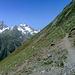 Unterwegs auf den aussichtreichen, südlichen Hängen des langen Westgrates der Hohen Geige in Richtung Gahwinden.