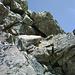 Die ersten seilversicherten Felsstellen ...
