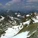 Die Dreitausender des nördlichen Geigenkammes reihen sich auf - links das nördliche Pitztal.