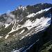 Schwenk auf der Krummschnabelschneide: Blick zur Ahornspitze