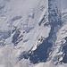 Das pièce de résistance, die Haslerrippe, unserer geplanten Tour aufs Aletschhorn sah ebenso beeindruckend aus, aber leider nicht gerade very skier friendly. Oben blank, unten von Lawinenbahnen und Bergschründen durchzogen.