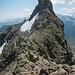 Am Grat, Blick zum Gipfel. Sieht aus der Nähe nicht mehr ganz so wild aus.