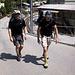 Jörg und Sven in St. Niklaus. Uns steht ein sehr langer Aufstieg zur Topalihütte bevor.