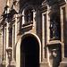 Trinidad de Arre - Puente la Reina, 19. Juli: Renaissance-Portal in der Calle Mayor von Puente la Reina.