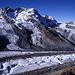 Unterer Teil des Gornergletschers, darüber das Breithorn (4164m). Die tiefste Stelle des Grates bildet den Theodulpass.