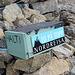 """Ráisduottarháldi - Die Holzbox für das Gipfelbuch ist mit """"HALTI"""" beschriftet. Das """"Vorwort"""" zum Gipfelbuch spricht dann auch vom """"norske Haltitoppen"""" (Ráisduottarháldi) und vom """"finske Toppen"""" (Halti)."""