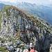 Die Scharte zwischen Nord- und Südgipfel - der längliche Felsblock ist gut zu erkennen