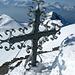 Kunstvolles Gipfelkreuz auf dem Nebengipfel 3246m