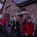 Am nächsten Morgen: Gewusel vor der Hütte