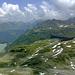 Knapp 800m tiefer der Vermuntspeicher.- rechts die Hochalpe Tschifernella über die der Anstieg vom Madlenerhaus erfolgte.