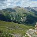 Gut markierter Abstiegsweg auf dem W-Grat des Piz Arina