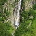 Wasserfall mit Regenbogen - sieht man auch nicht alle Tage