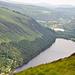 Upper Lake und Lower Lake. Hinter dem Lower Lake liegt die Klosteranlage Glendalough.