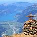 Einfach phänomenal der Tiefblick vom Bristen zum mehr als 2600m tiefer gelegenen Urnersee!