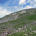 Rückblick zum Wasserbergfirst von der Oberen Träseren. Das Gipfelkreuz ist gerade noch sichtbar.