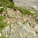 Steiler, fast senkrechter Abstieg mit guten Tritten vom Pass de la Cruseta
