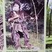 Nein, das ist kein Bergläufer, so stellt man sich in Baden den Ötzi vor... erinnert irgendwie an [http://www.google.com/imgres?safe=off&biw=1280&bih=677&tbm=isch&tbnid=0NyPuZTJUZ2bMM:&imgrefurl=http://de.gameofthrones.wikia.com/wiki/Wei%25C3%259Fe_Wanderer&docid=ZEzwf5LZbwto4M&imgurl=http://images3.wikia.nocookie.net/__cb20130525211111/gameofthrones/de/images/1/14/Wei%2525C3%25259Fer_Wanderer_mit_Waffe.png&w=720&h=400&ei=HiYGUpibJorCtQb_6IHwBQ&zoom=1&ved=1t:3588,r:0,s:0,i:76&iact=rc&page=1&tbnh=166&tbnw=282&start=0&ndsp=16&tx=116&ty=84 White Walkers] ;-)