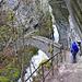 Die alte Bogenbrücke beim Saut du Brot - heftiger Regen setzt ein